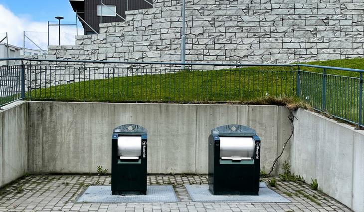 to innkast for avfall